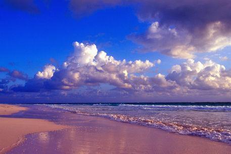 行ってみたいな世界の「不思議なビーチ」