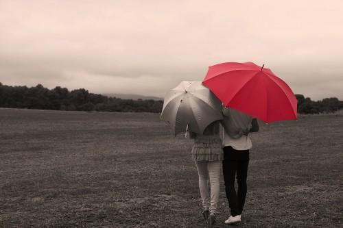 【心理テスト】心までずぶ濡れになっちゃだめ!離れてしまった彼とうまくいくかどうか診断