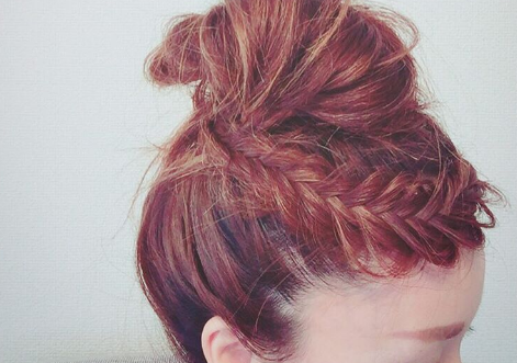 夏の時期におすすめ!水に負けないかわいい前髪アレンジ♡